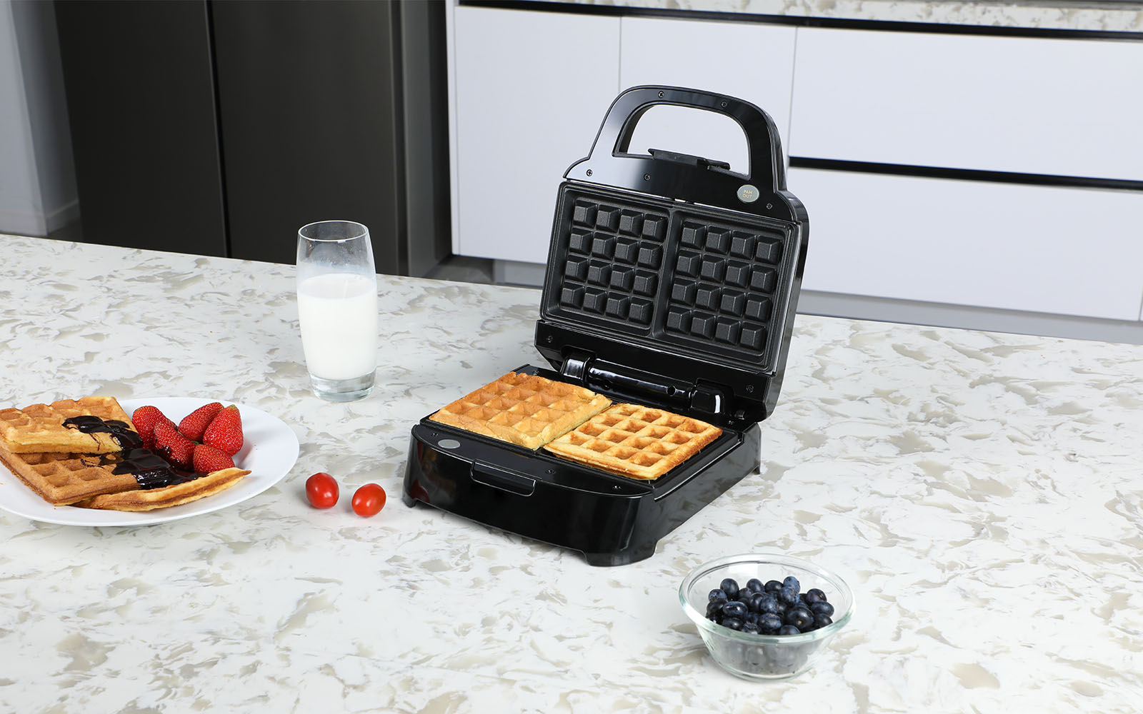 cheap waffle maker on Amazon.jpg